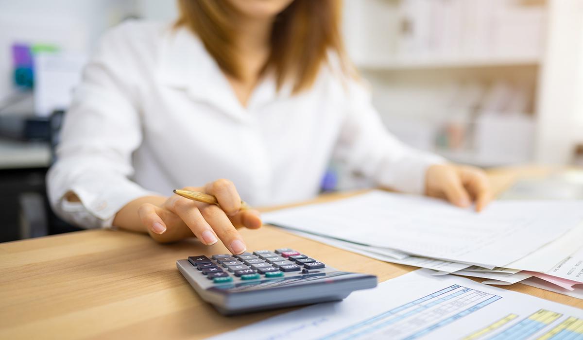 INE: Remuneraciones de los chilenos anotaron un alza de 5,8% en mayo