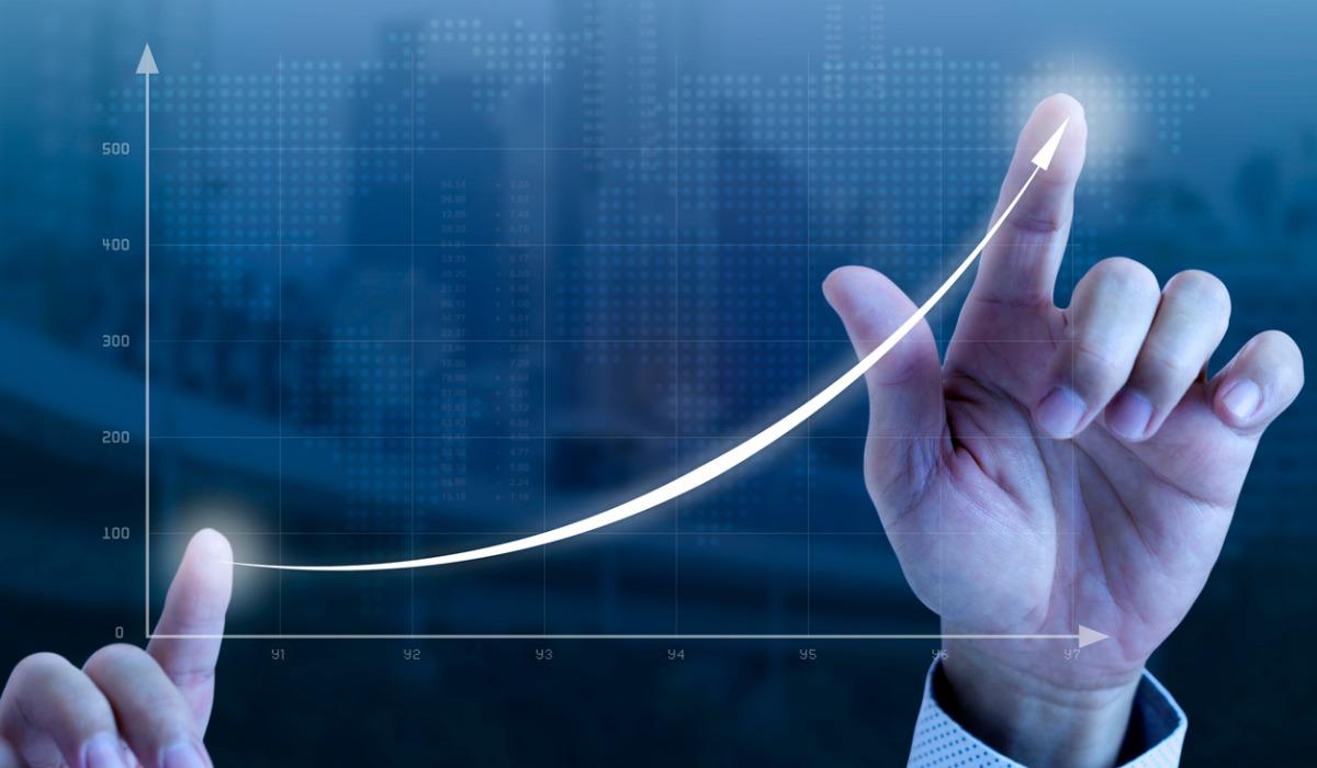 IPoM: Banco Central elevó proyección de crecimiento para 2021