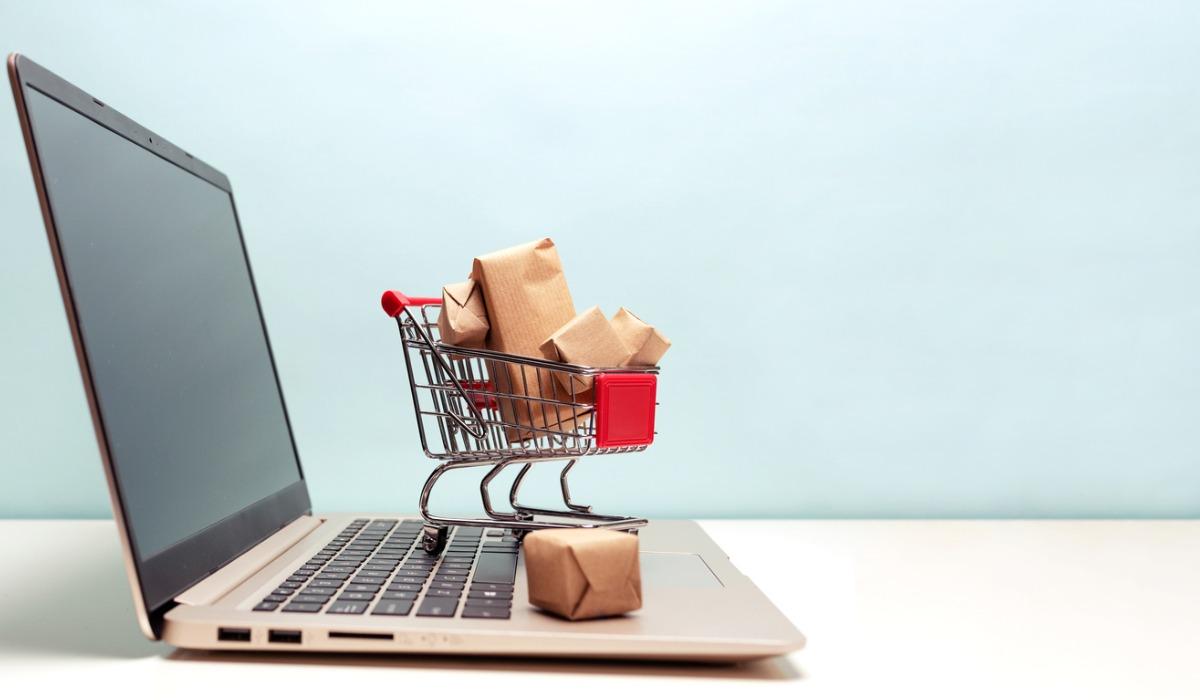 INE: Actividad comercial registró un alza de 33% en abril